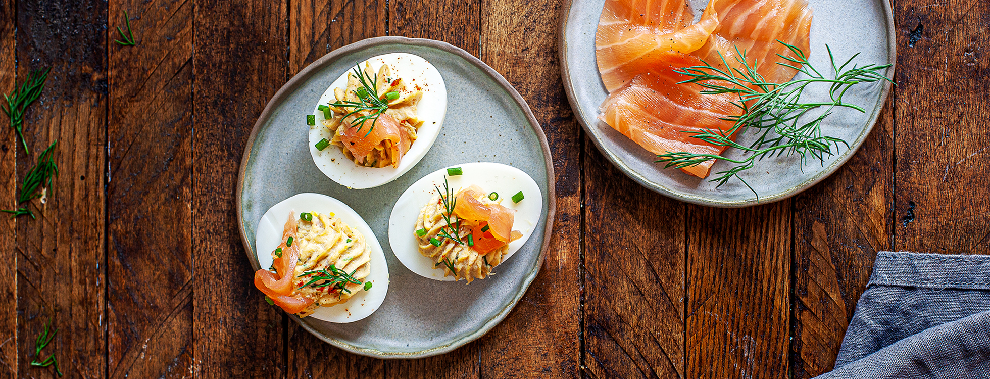 Eggs mimosa with smoked salmon